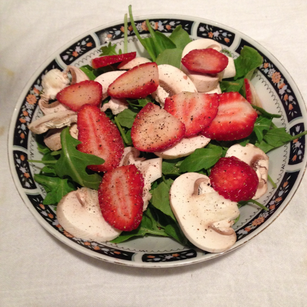 Spinach salad with fresh mushrooms & strawberries